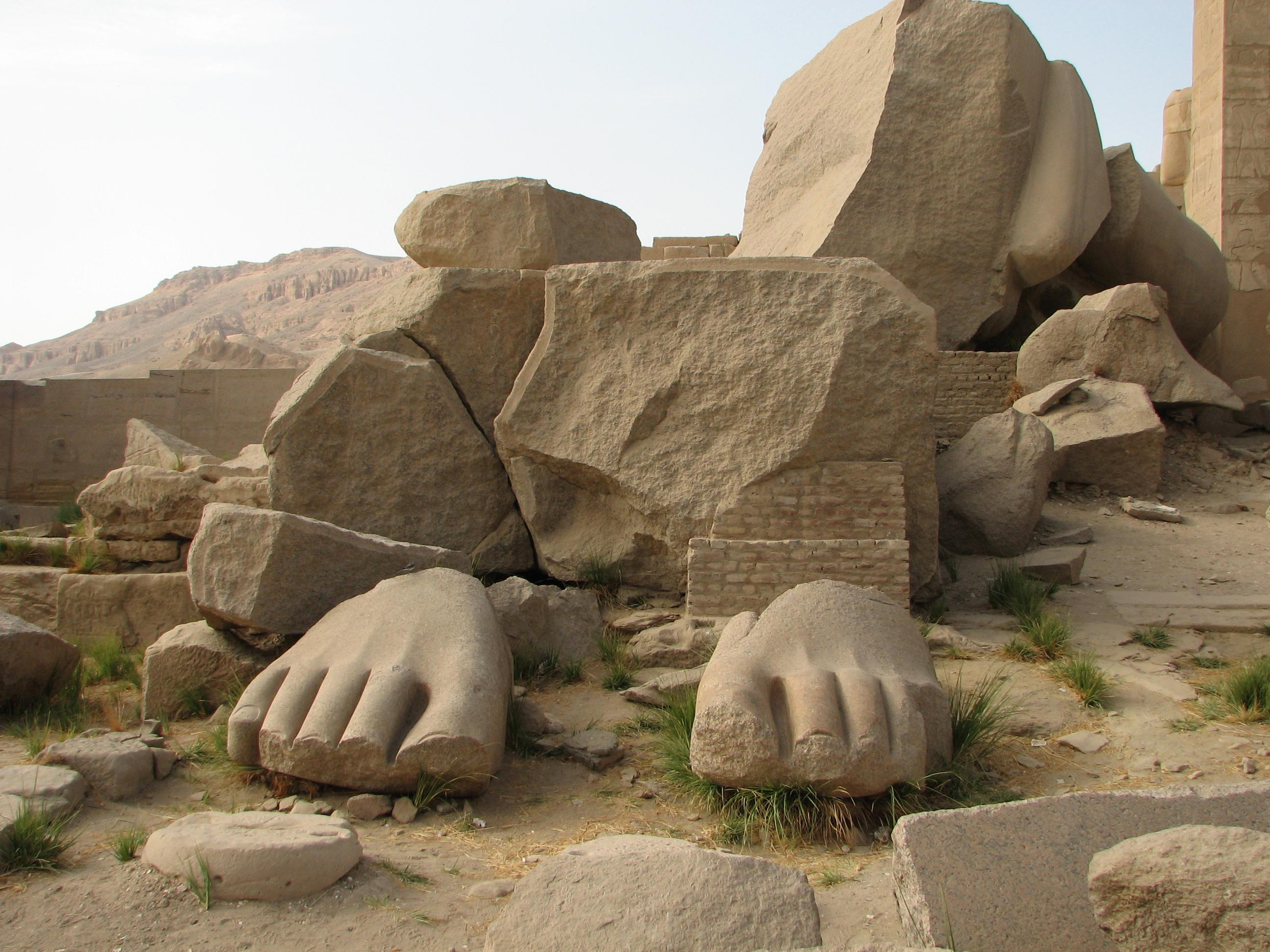 http://bensten.files.wordpress.com/2011/02/ozymandias1.jpg